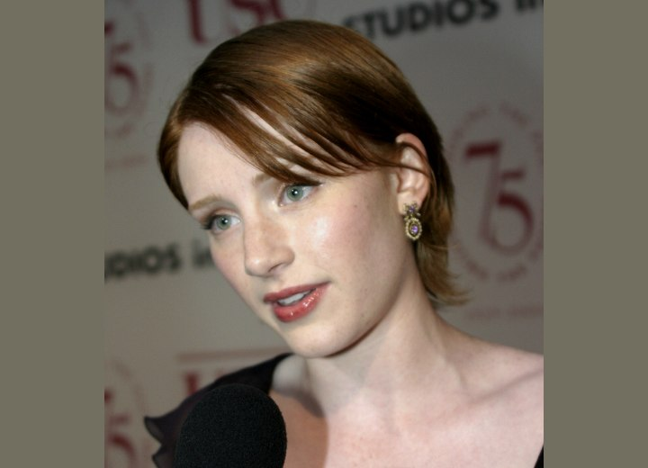 Bryce Dallas Howard - Short shag hairstyle with a longer top area