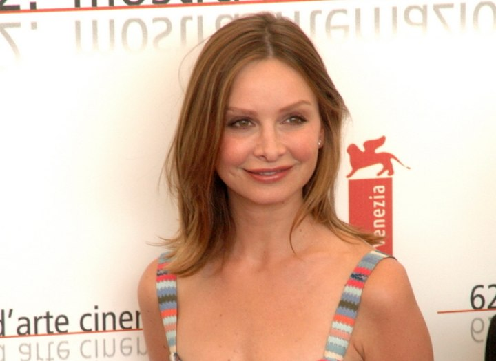 Calista Flockhart - Shoulder length hairstyle for straight hair
