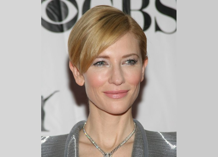 Cate Blanchett - Shoulder long hairstyle for straight hair