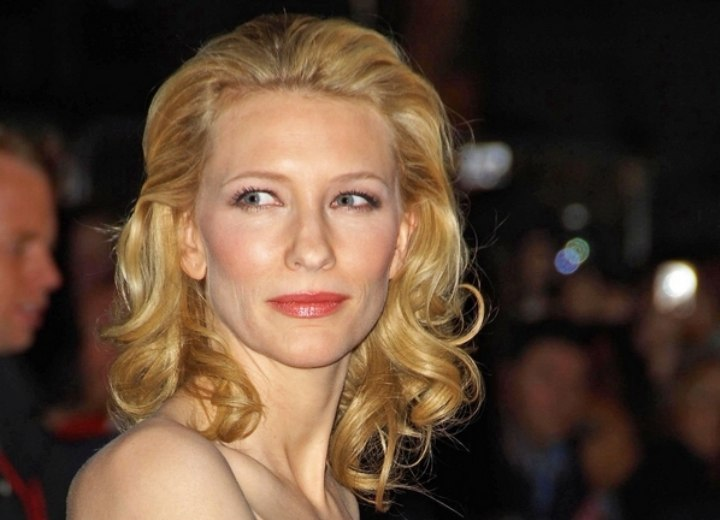 Cate Blanchett - Shoulder length curly hairstyle