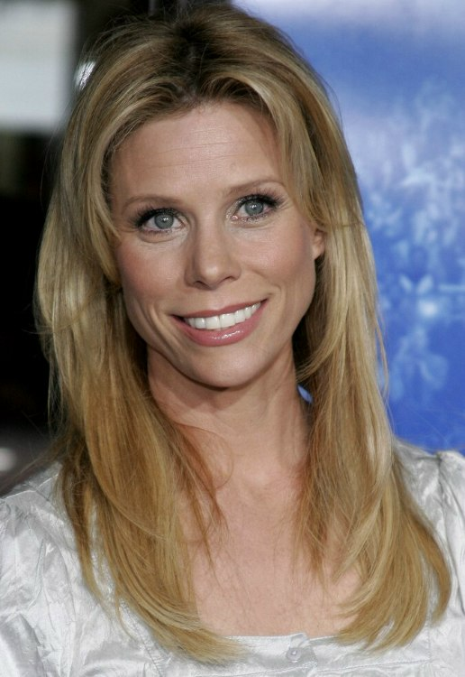 Astounding Cheryl Hines Easy To Style And Low Maintenance Youthful Look For Short Hairstyles For Black Women Fulllsitofus