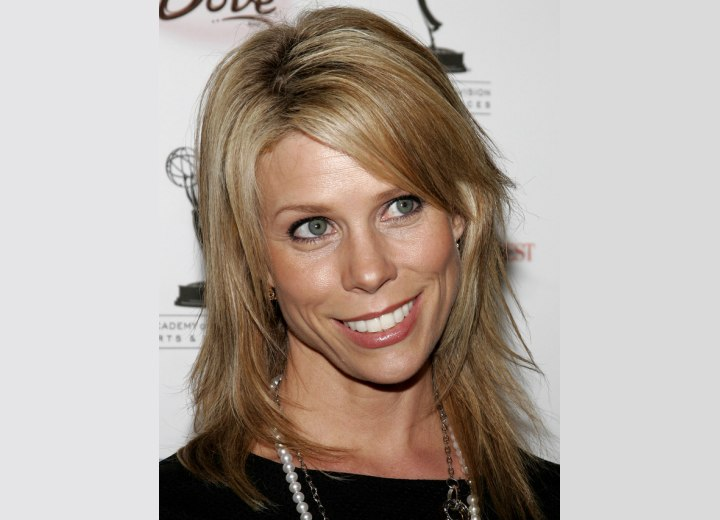 Cheryl Hines - Long straight hairstyle with side bangs