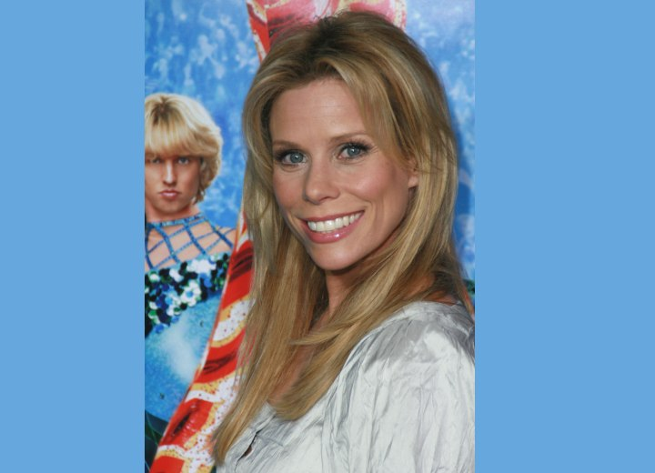 Low maintenance hairstyle for long hair - Cheryl Hines