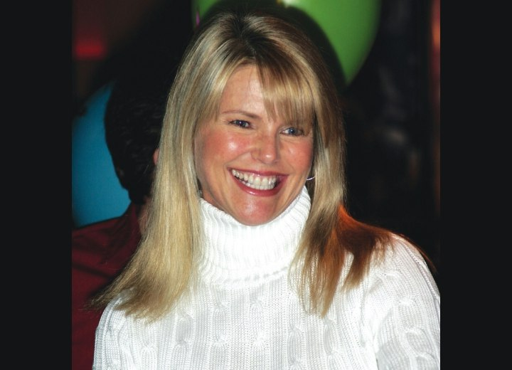 Christie Brinkley - Long and straight bob haircut for active women