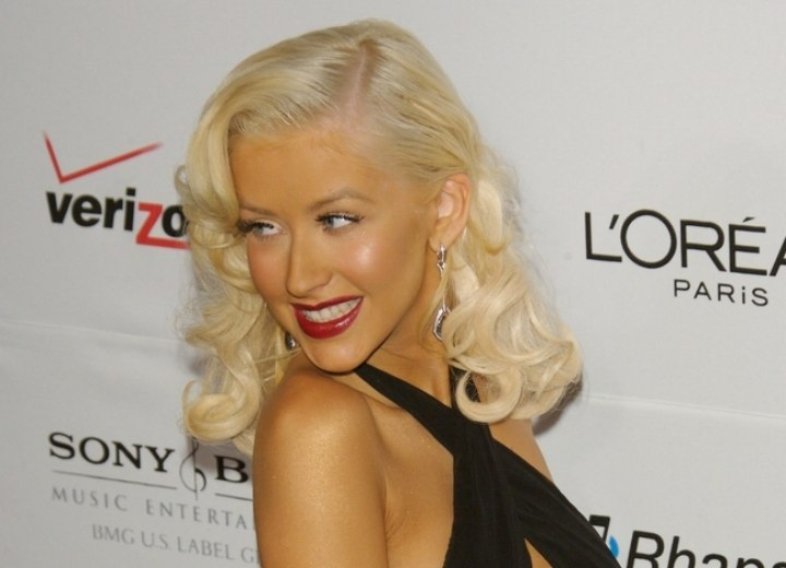 Christina Aguilera - Retro hairstyle with bleached hair and curls