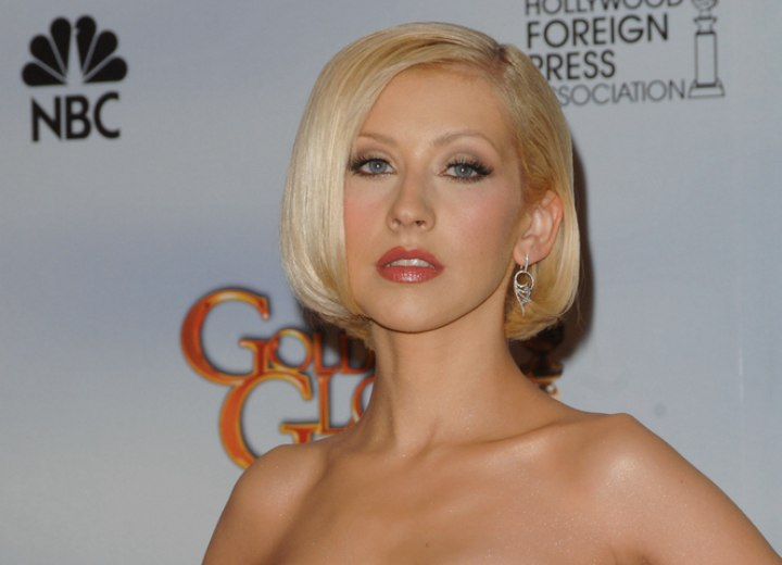 Christina Aguilera - Short bob haircut with straight styling