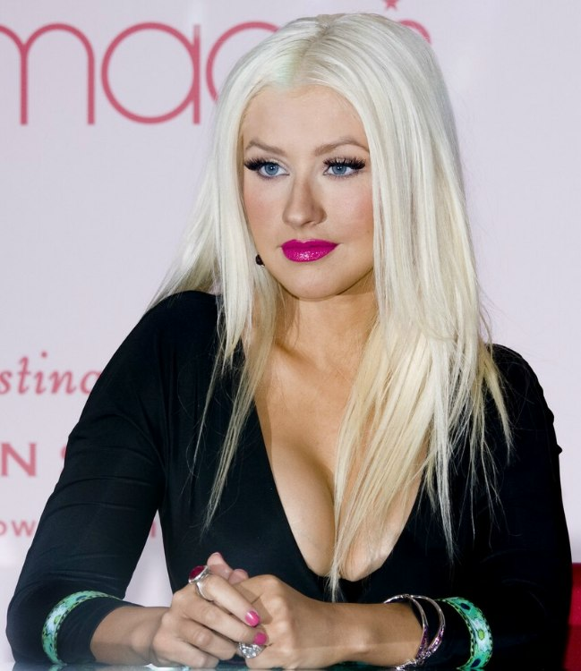 Straight perm bleached hair - Christina Aguilera With Bleached White Hair