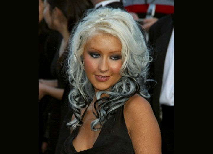 Christina Aguilera - Long white hair with black streaks