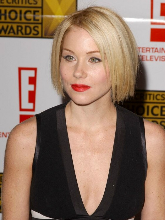 Tremendous Christina Applegate Wearing Her Hair In A Classic Bob At Chin Length Hairstyles For Men Maxibearus