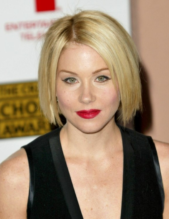 Cool Christina Applegate Wearing Her Hair In A Classic Bob At Chin Length Hairstyles For Men Maxibearus
