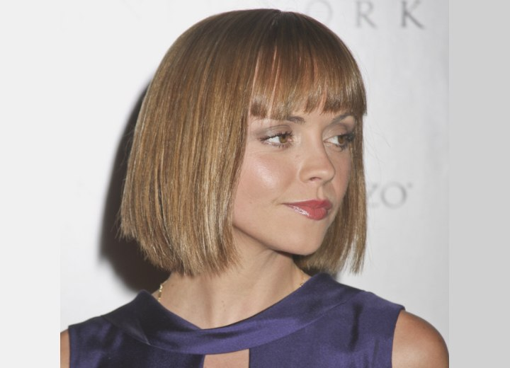 Side view of Christina Ricci's below the chin bob haircut
