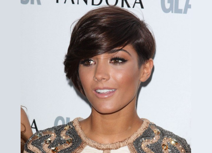 Short haircut with one side clipped around the ear - Frankie Sandford