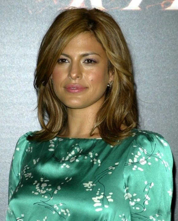Eva Mendes Wearing Her Shoulder Length Hair With Tilting