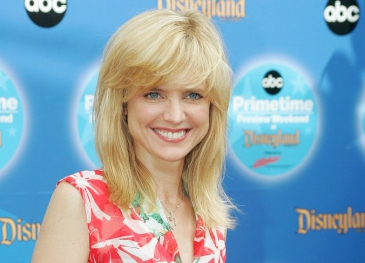 Courtney Thorne-Smith - Shoulder long hairstyle with textured ends