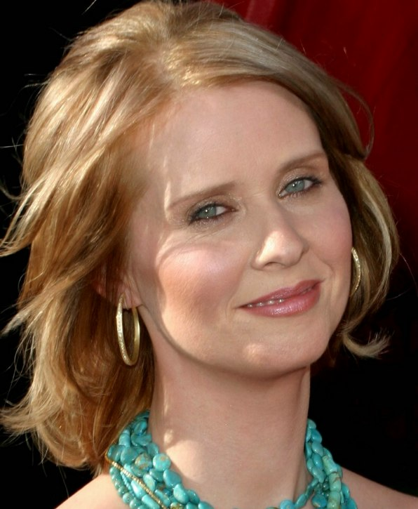 Cynthia Nixon Sporting A Midlength Hairstyle With Flipping