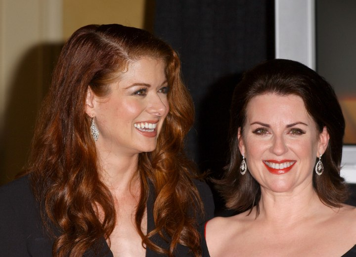 Debra Messing - Informal style for long red hair
