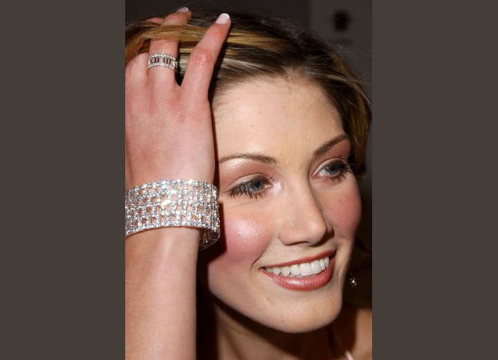 Delta Goodrem's forehead and hairline