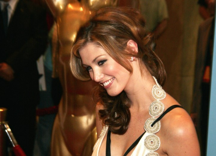 Delta Goodrem - Versatile long hairstyle with curls and highlights