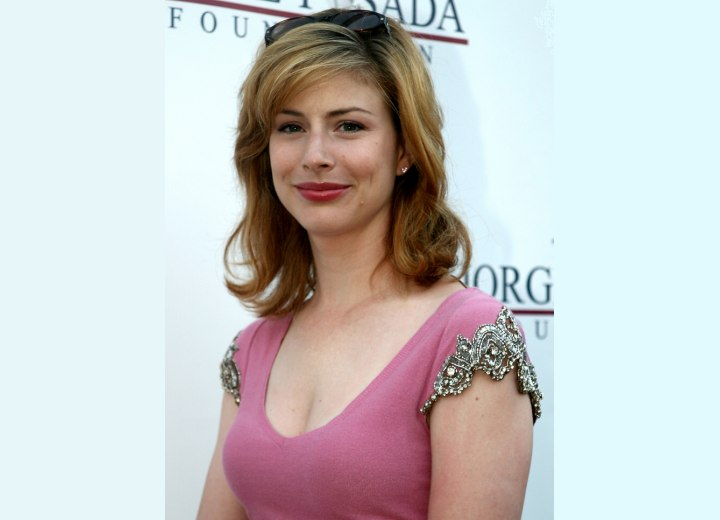 Diane Neal - Easy hairstyle with layers
