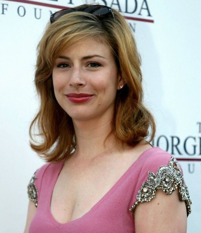 Diane Neal Easy To Maintain Shoulder Length Hairstyle