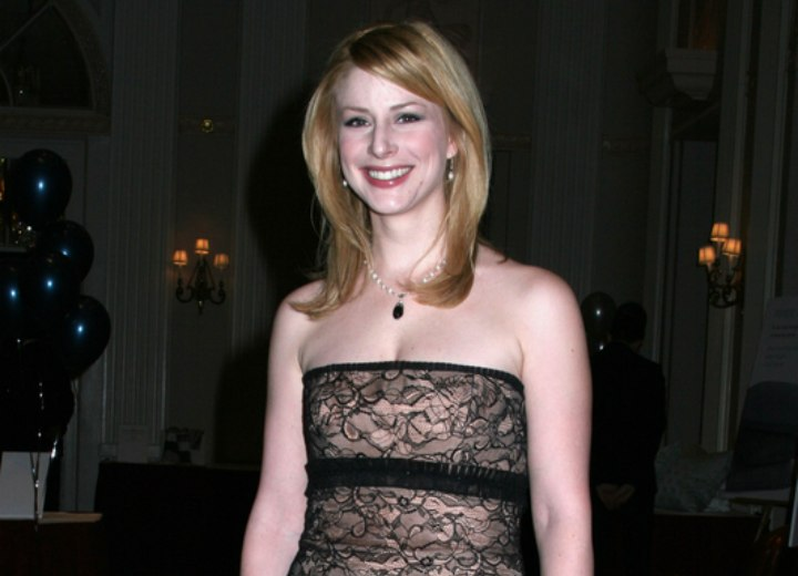 Diane Neal - Shoulder long hairstyle
