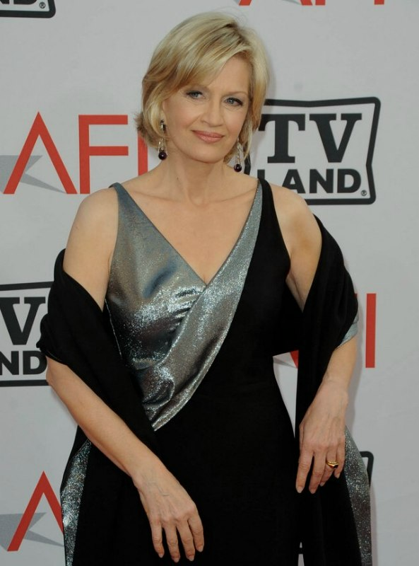 Diane Sawyer's hair in a short bob hairstyle that rests