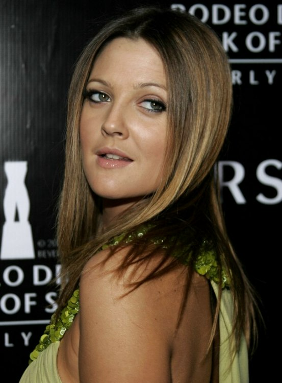 Drew Barrymore Long Straight Hairstyle With Angled Sides