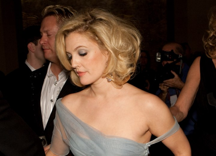 Side view of Drew Barrymore's short hairstyle