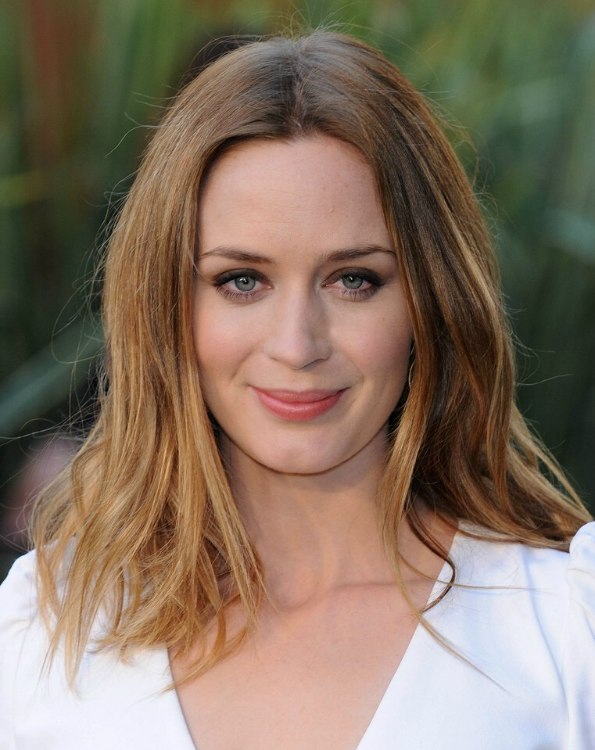 Pictures Of Hair Styles: Emily Blunt Wearing An Easy Going Long Hairstyle