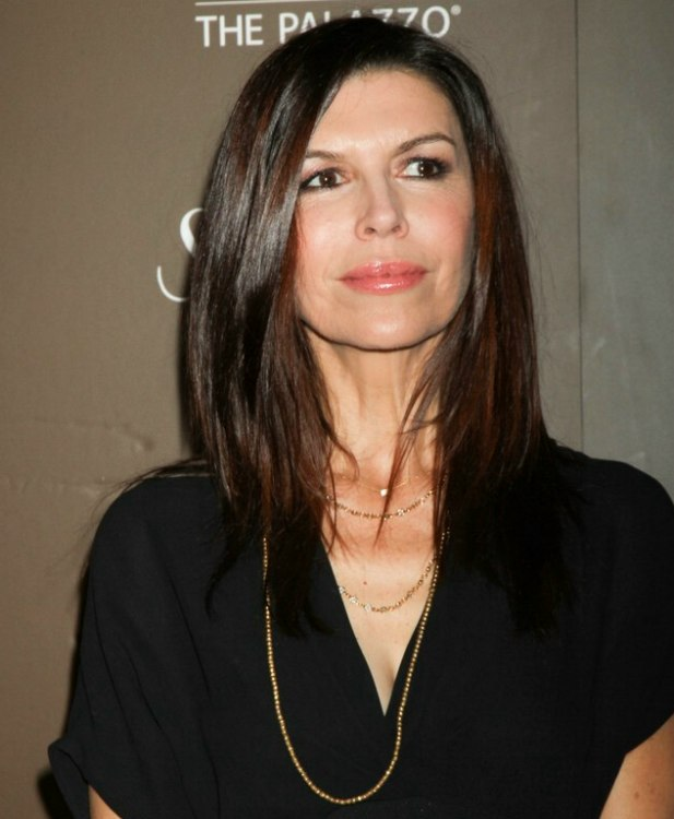 finola hughes joined the rest of the celebrities at the 2009 hughes