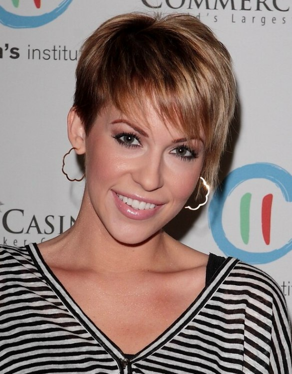 Farah Fath Short Above The Ears Hairstyle With Wispy Bangs