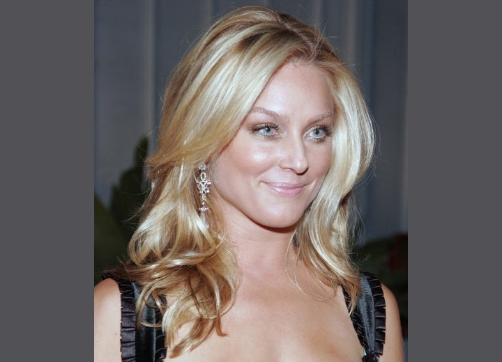 Elisabeth Rohm - Long hairstyle with curled ends