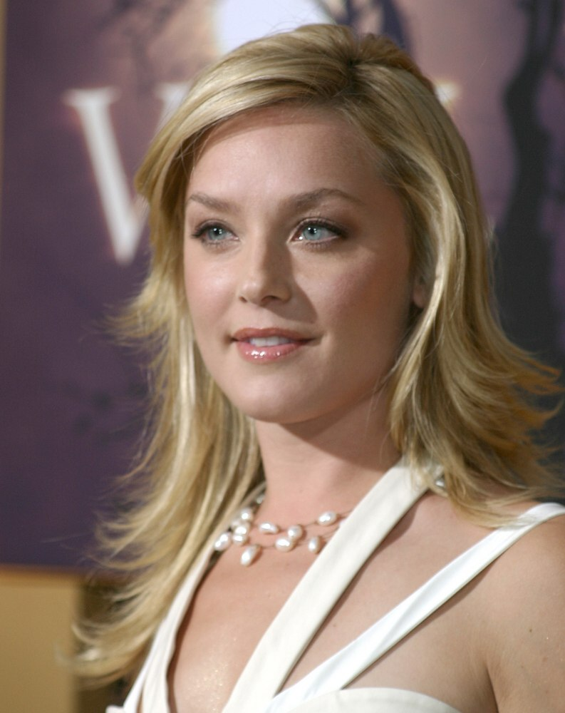 Elisabeth Rohm Modern And Sexy Long Hairstyle With Razor