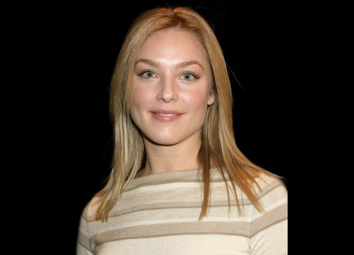 Elisabeth Rohm - Sexy long hairstyle with layering
