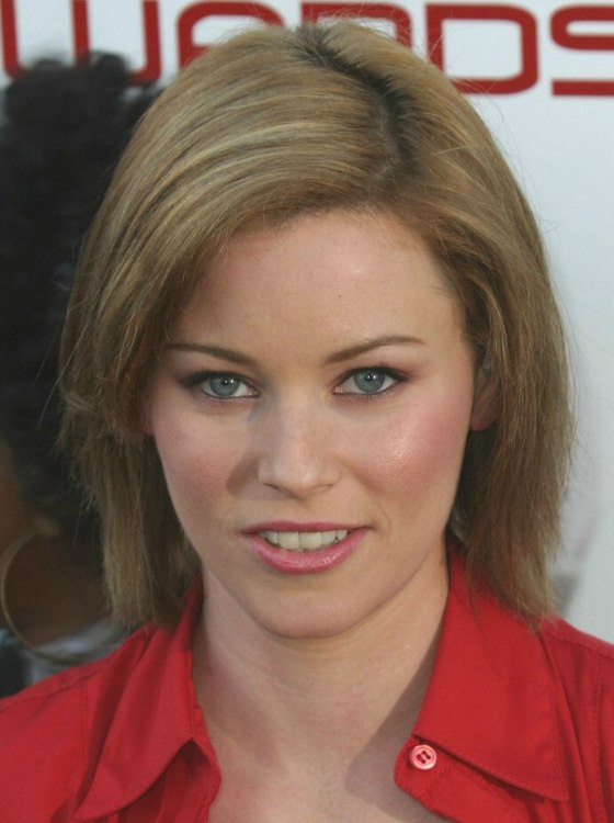 Elizabeth Banks Medium Length Straight Hairstyle With A Zigzag Part And A Smooth Curve