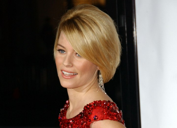 Elizabeth Banks latest short hairstyle