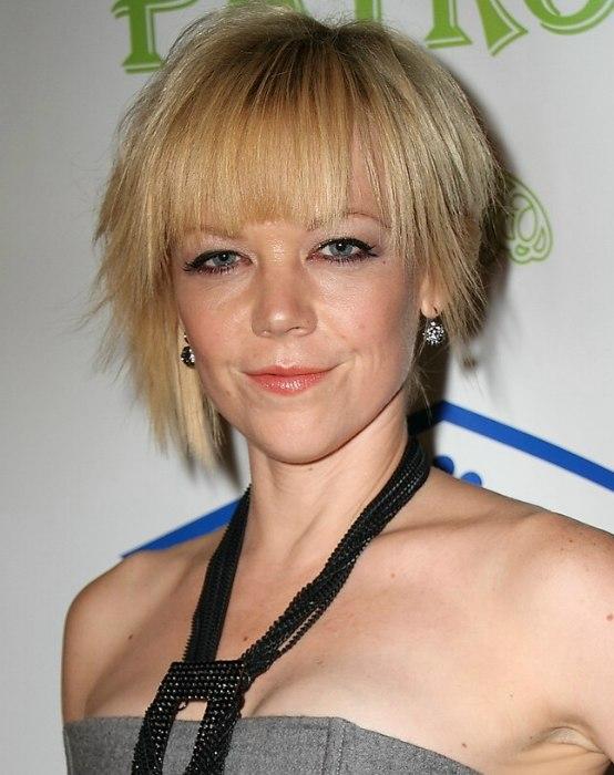 Emily Bergl Short Razor Slithered Hairstyle With Bangs