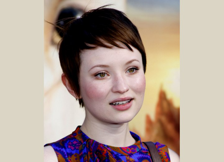 Emily Browning - Practical short hairstyle with short bangs