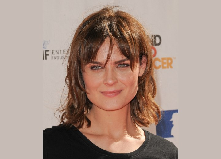 Hairstyle for women with a square face - Emily Deschanel