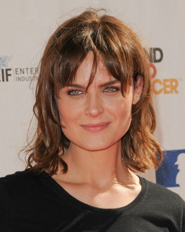 Emily Deschanel Medium Hairstyle With Layers And Bangs For A