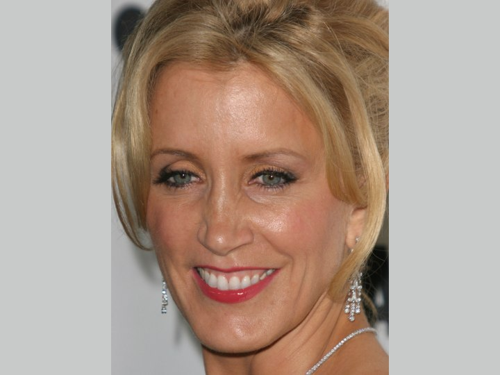 Close-up photo od Felicity Huffman's hair