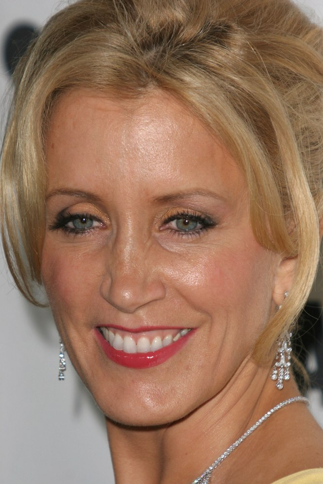 Felicity Huffman Hair In An Elaborate Updo With Curled