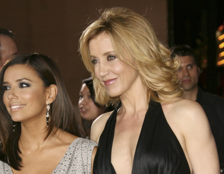 Side view of Felicity Huffman's haircut