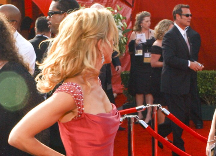 Side view of Felicity Huffman's long hairstyle