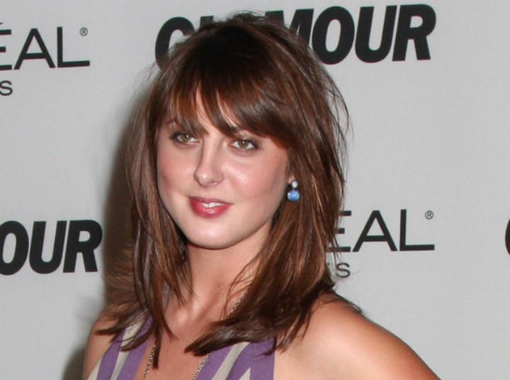Eva Amurri - Long hairstyle with the fringe touching the eyebrows