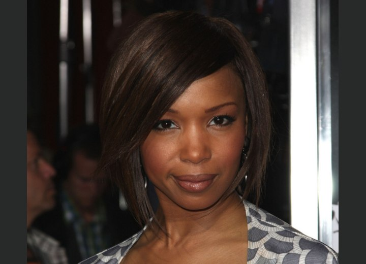 Bob hairstyle for round faces - Elise Neal