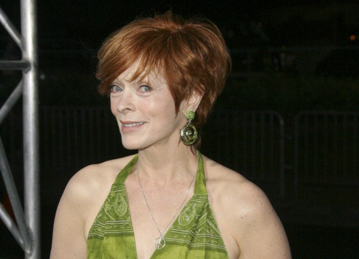 Easy short hairstyle for aging women - Frances Fisher