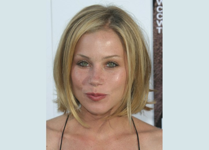 Hairstyle for a heart shape face - Christina Applegate