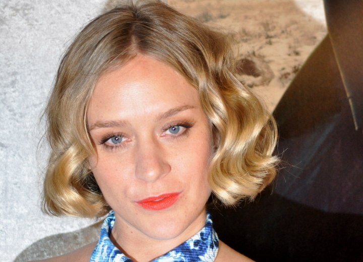 Short hairstyle for a long face - Chloë Sevigny