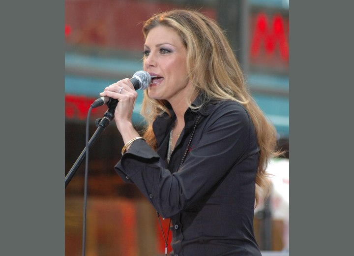 Middle of the back hairstyle with mild curling - Faith Hill